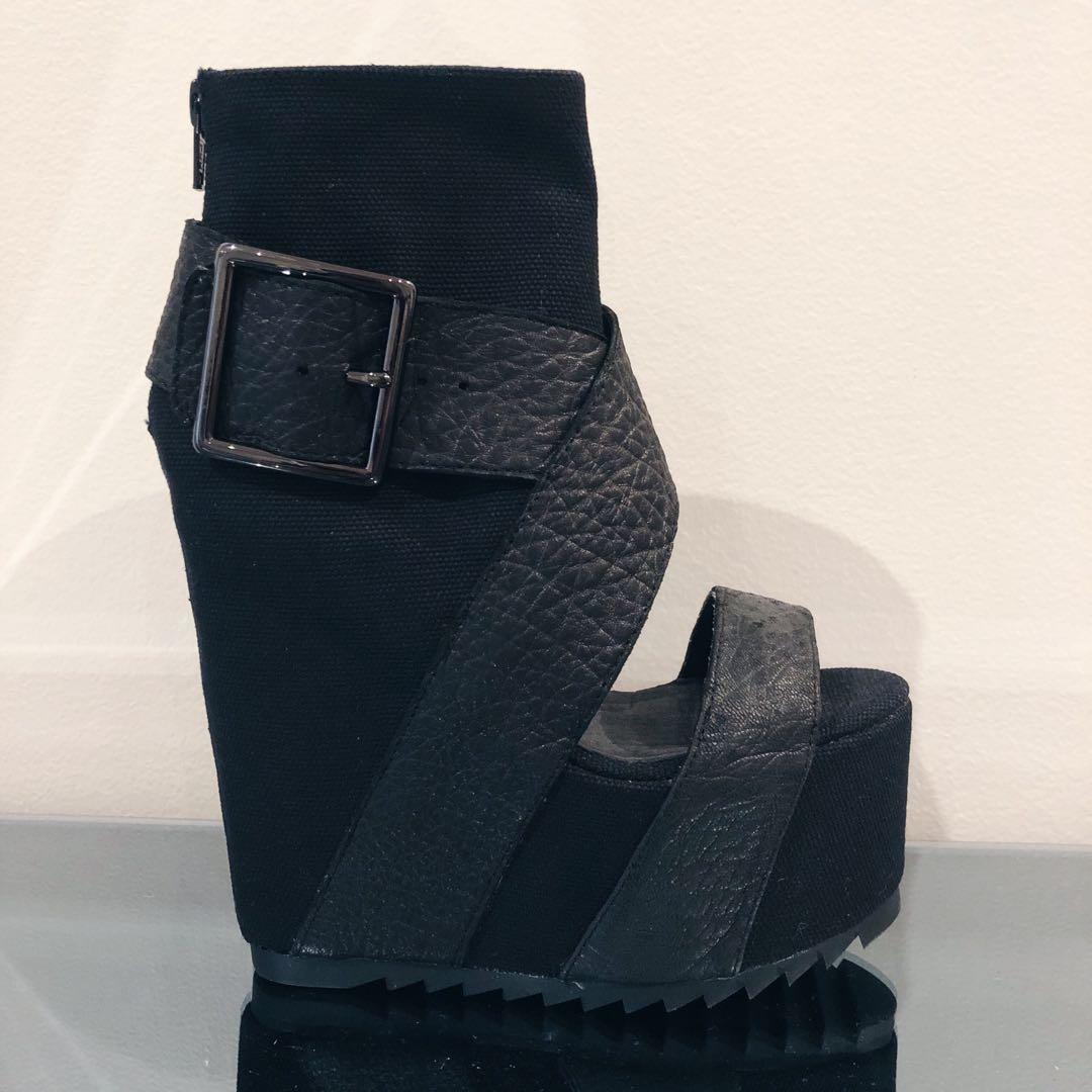 Size 5 New YES Fluorite Black Platform Cut-our Open Toe Leather Strap Boots Heels Grunge