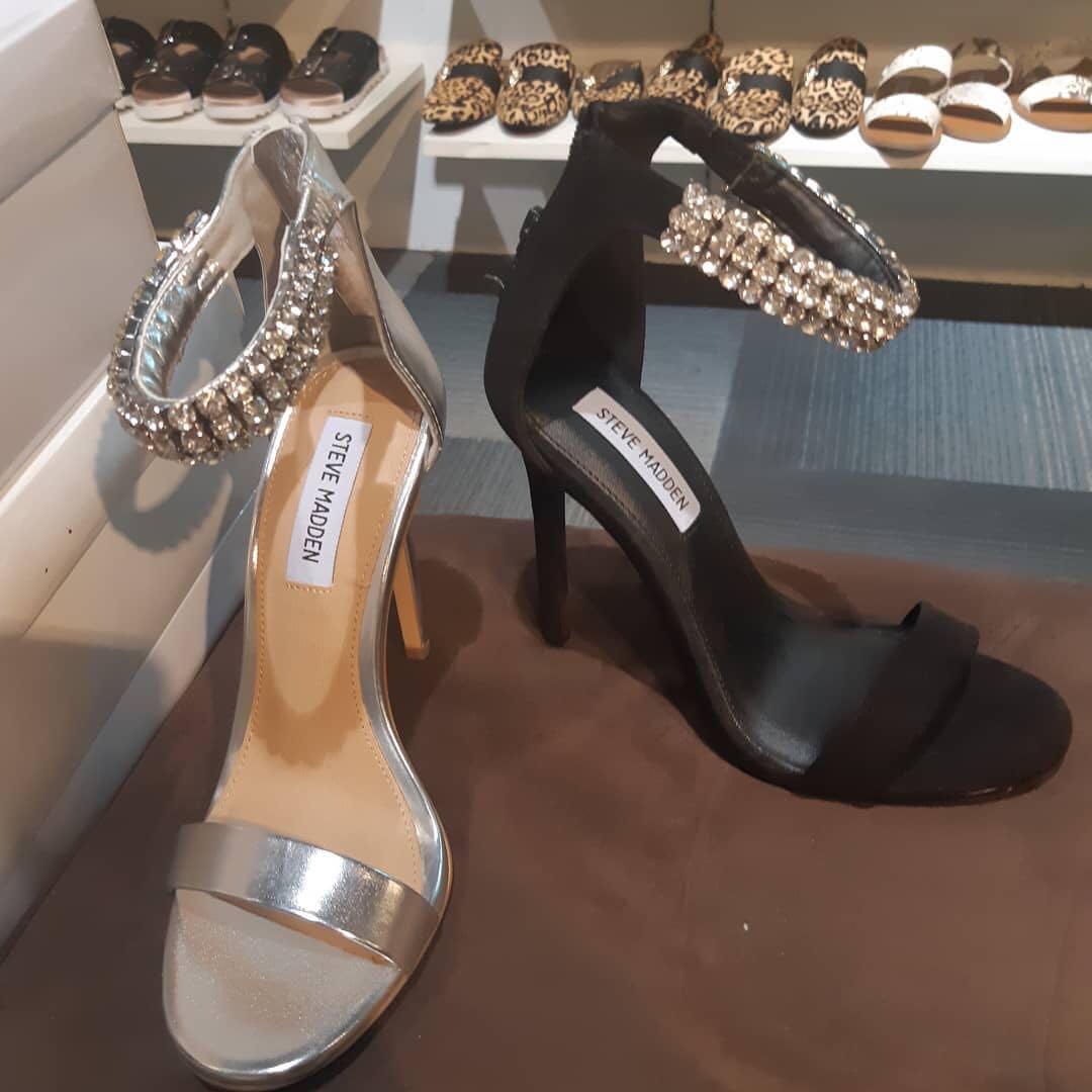 fa161b15c7f STEVE MADDEN Rando Crystal Sandal ORI
