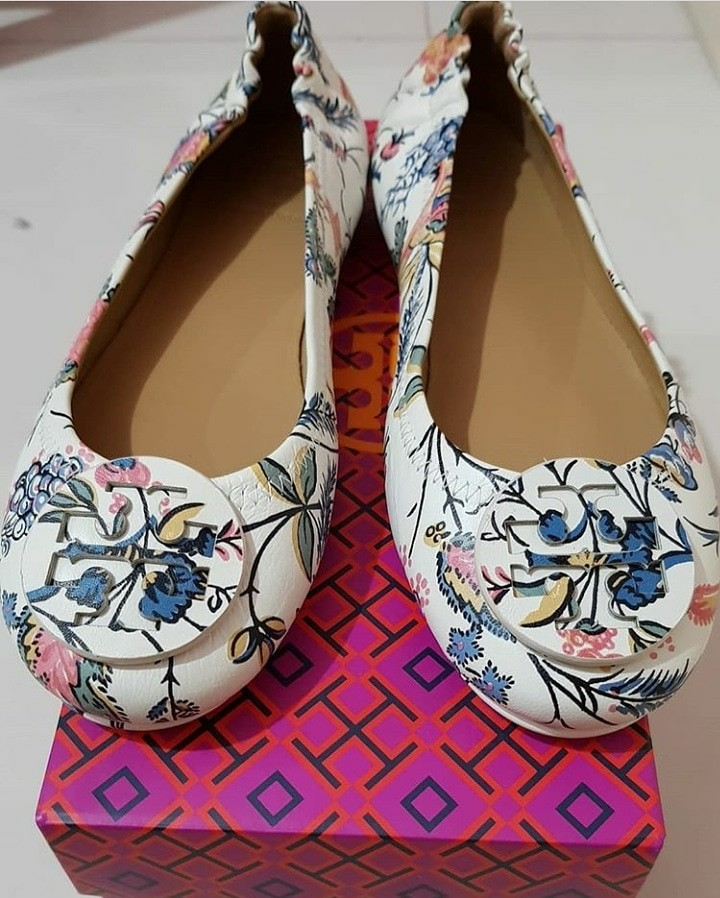 d85ebd2db37 Tory Burch Minnie Travel Ballet Flats New Ivory Gabriella Floral ...