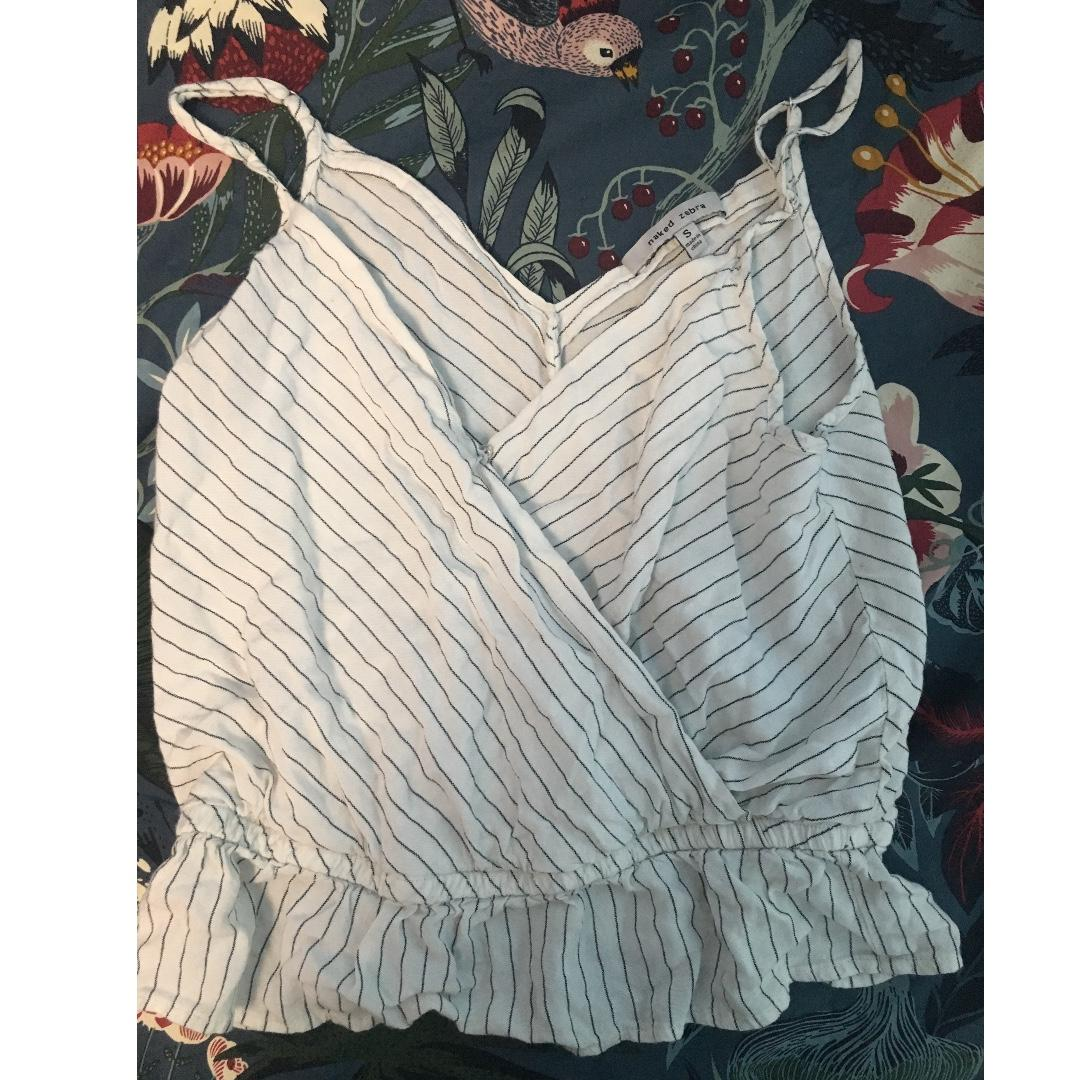 Very lightly used (worn less then 3 times) Striped Flounce Crop Top- Size S