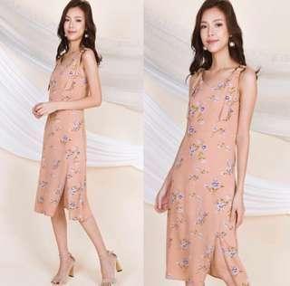 🚚 floré ring midi floral slip dress
