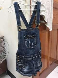 🚚 牛仔吊帶短褲