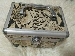 🚚 Double layer Jewellery Box leopard print with mirror
