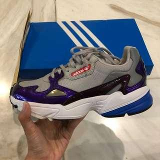 Adidas falcon (NEW)