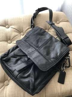 @@ Coach men's flight bag