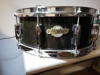 """🚚 Pearl Master All Maple Shell 14""""X5.5"""" Snare in Black Finish"""