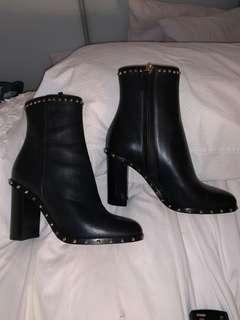 PRICE DROP Valentino boots