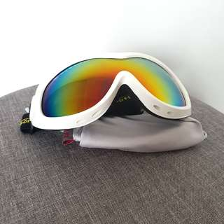c2da96394b7 Adults and Kids ski snowboard goggles