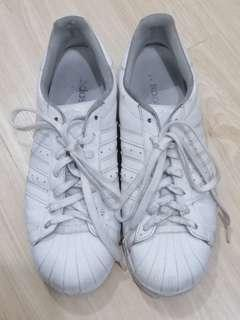 Adidas Superstar white  size us 10 (Auth/Orig)