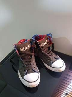Kids size 4 youth high top cons