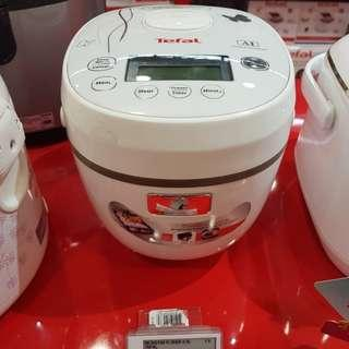 RICE COOKER TEFAL BRAND NEW FAST DEAL $60WITHOUT BOX, AS GIFT & TEST ONE TIME 8CUPS OR 4 LITTER RICE (STRICKLY NO NEGO)