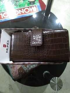 Leather wallet from US Mundi
