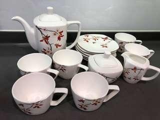 Tea Cup Set精美水杯、碟、茶壺、糖瓶、奶瓶