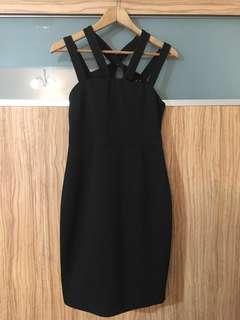 🆕 Something borrowed black dress