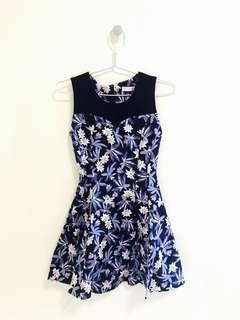 🚚 Purple and blue hues floral dress (tagged S but fits XS, UK4-6)