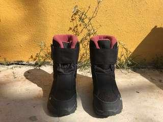 QUECHUA SH100 WOMEN'S X-WARM BLACK SNOW HIKING BOOTS
