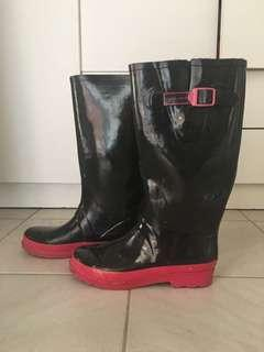 MARC JACOBS gumboots for music festivals