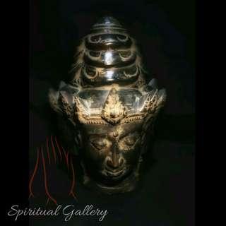 Patung Perunggu Kepala Trimurti