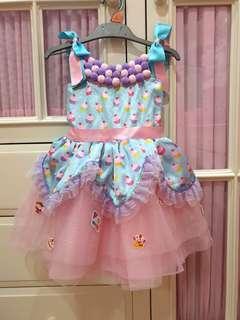 Dress cupcake cm pke 1x buat photoshoot. No defect. Sz 2-3thn