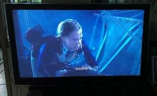 """32"""" Samsung LED TV free Magic Sing Karaoke"""