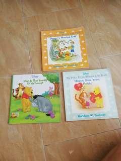 🚚 Children Books - Pooh Bear