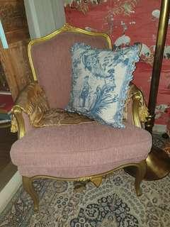 🚚 French Provincial style gold walnut Bergere Chair.