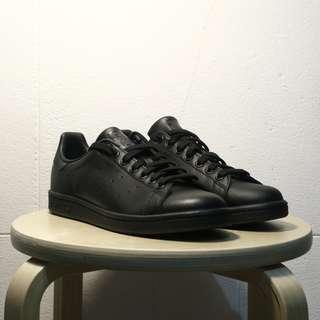 ADIDAS STAN SMITH ALL BLACK NEW STEALDEAL!