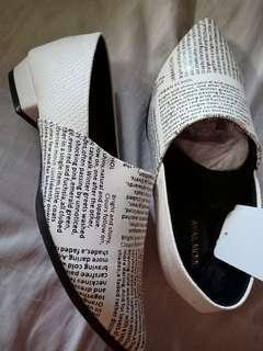 Stiletto urban shoes