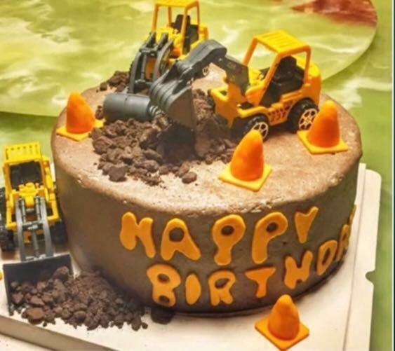 12 Pcs Heavy Vehicles Construction Tractors Cupcake Topper Cake
