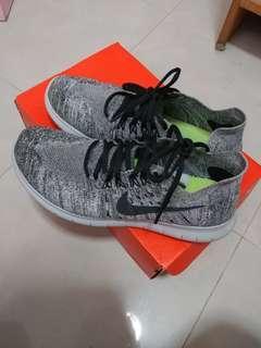 Nike Flyknit sneakers 波鞋 US9.5 / UK8.5