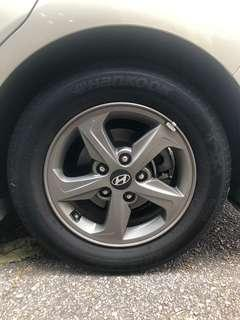 "15"" Elantra stock rims with tyre"