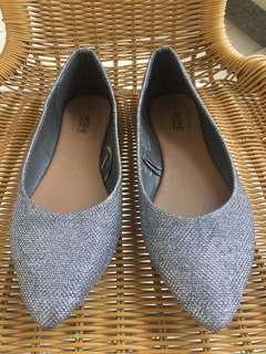 Ardene Comfort Foam + Silver