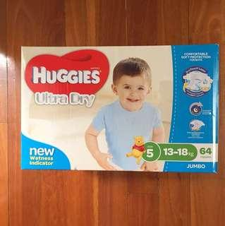 Huggies ultra dry boys 64 nappies. size 5 : 13-18kg