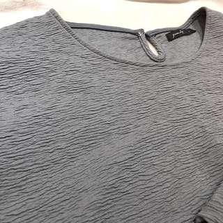 🚚 QUEEN SHOP購入灰色上衣