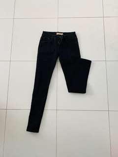 🚚 Basic Black Low Rise Jeans