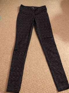 Aritzia leggings size s