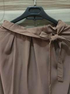 Creme long skirt / rok panjang