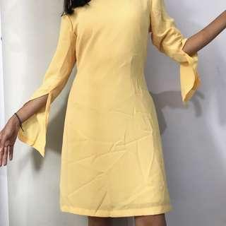 Yellow mellow dress