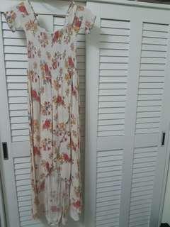 🚚 Forever 21 花色洋裝 裙擺前短後長 彈性腰身