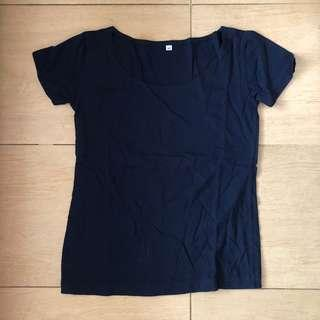 Scoop neck navy blue t shirt kaos top