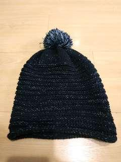 🚚 BN cute black wool knitted beanie silver colour lining with pompom
