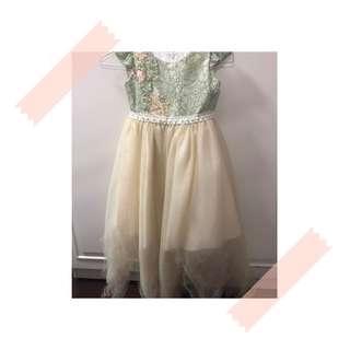 🚚 超質感女童公主風小禮服 只穿了一次 約120cm 6歲
