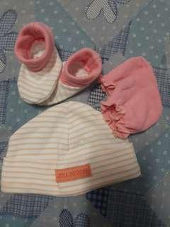 Bonnet mittens bootties set