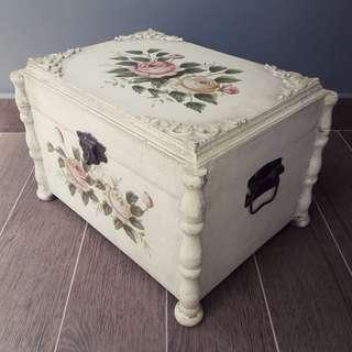 Rose wooden chest