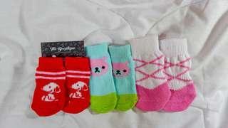 Pet socks with anti-slip sole