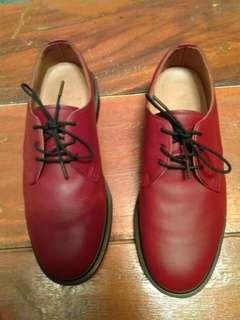 Dr. Martens Steed