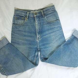 Highwaist Denim Mom Jeans