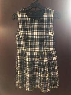 Short Black and white dress