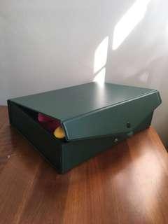 🚚 Plastic storage boxes