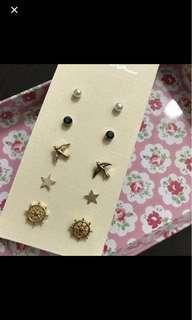 🚚 Ear studs and Bracelets